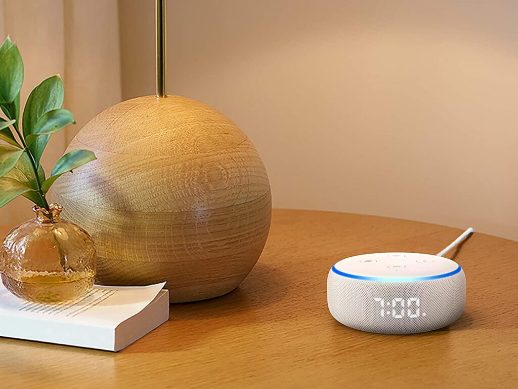 echo dot 3 reloj salon